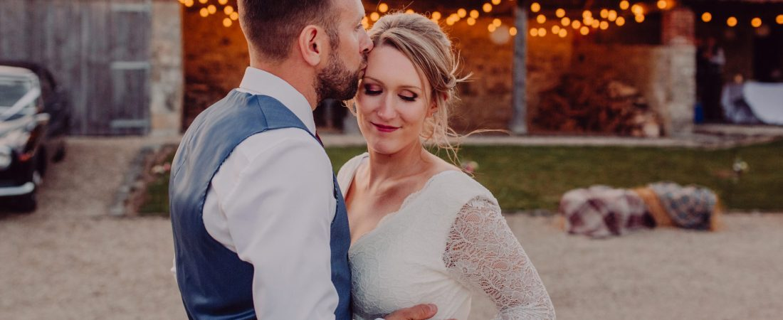 Photography by Peppermint Love, newly weds at dusk